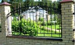 Секционный комбинированный забор