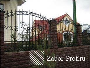 Секционный забор с уникальным оформлением